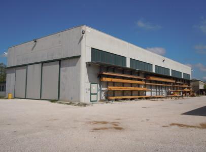 Codroipo, Viale Venezia, vendesi impeccabile capannone di recentissima costruzione.
